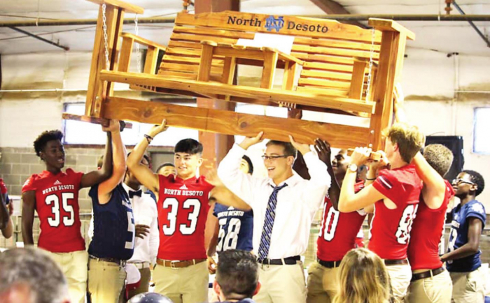 North DeSoto Quarterback Club to Host 2nd Annual Meet the Players Auction Dinner