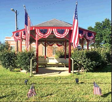 Mansfield in Motion Decorates Gazebo for Veteran's Day