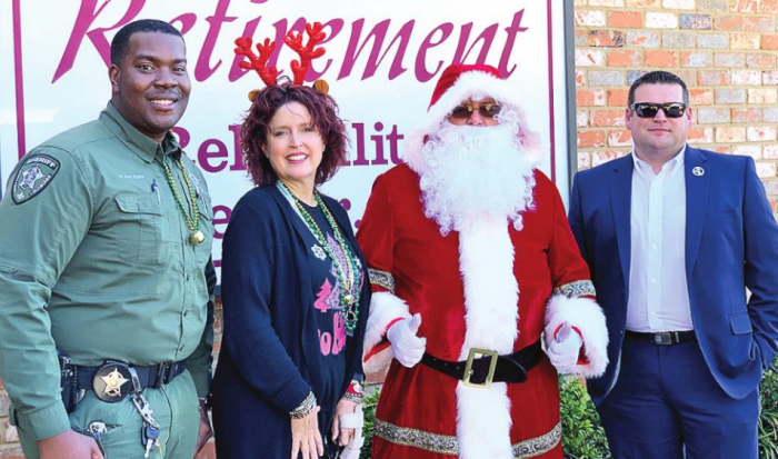 DPSO Arranges Early Visit from Santa at Nursing Homes