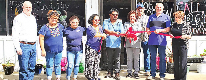 Logansport Chamber Welcomes Tio Nacho Mexican Restaurant with Ribbon Cutting