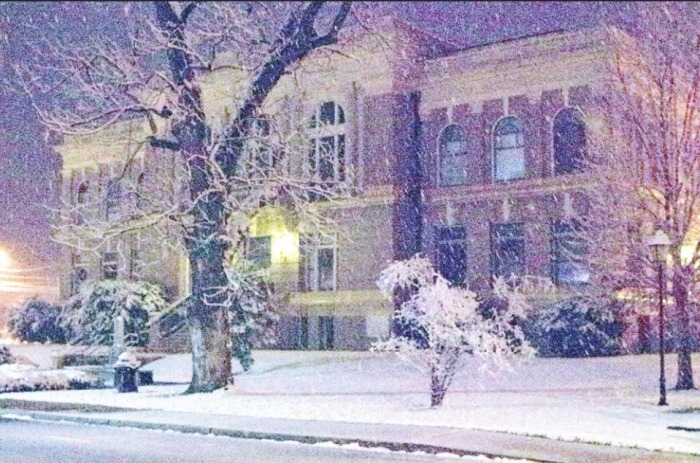DeSoto Parish Courthouse Once Again Becomes a Winter Wonderland