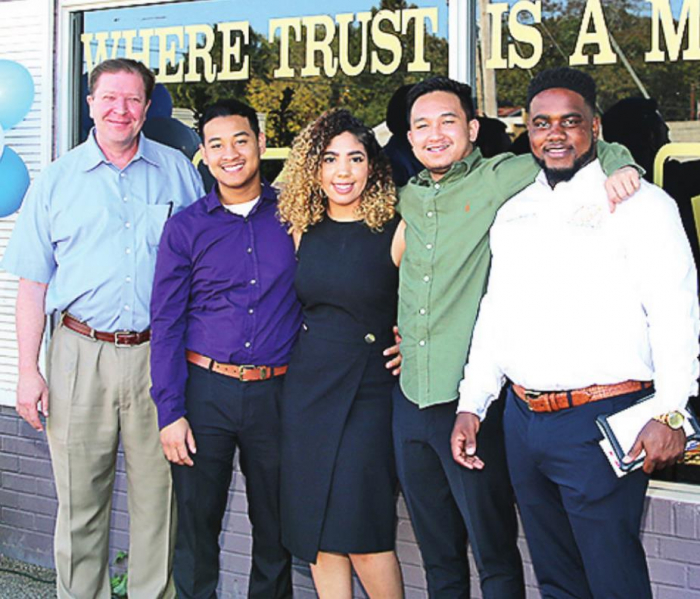 DeSoto Chamber Welcome Woodley and Associates to Mansfield