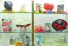 Mansfield Main Library Wishes Mothers a Happy Mothers Day with May Display